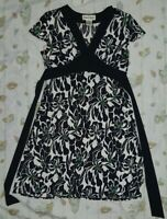 RONNI NICOLE Black Floral V Neck Dress Short Sleeve CHEST 38 inches SIZE 10