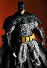BATMAN:ARKHAM CITY (DARK KNIGHT RETURNS, UNOPENED) PLAYARTS KAI (DC,Square Enix)