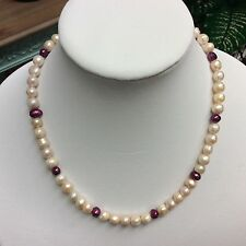 """Magenta And Mauve freshwater Pearl Necklace strand/string 21"""""""