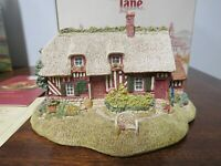 Lilliput Lane la chaumiere du  verger  cottage Boxed With Deeds