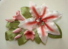 Rubrum Lily Medium SPRAY, cake topper, lo zucchero FIORE, Matrimonio, Sugarcraft.