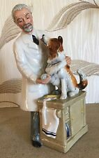 """ROYAL DOULTON FIGURE OLD VET WITH DOG  THANKS DOC HN 2731  PERFECT 8.75"""""""