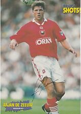 ARJAN DE ZEEUW BARNSLEY 1995-1999 ORIGINAL HAND SIGNED MAGAZINE PICTURE CUTTING