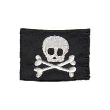 Skull and Crossbones Bandera De Hierro En Parche Bandera De Pirata coser motivo-Tesoro
