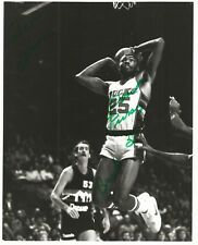 8x10  Autographed Photo - Paul Pressey - Milwaukee Bucks - NBA