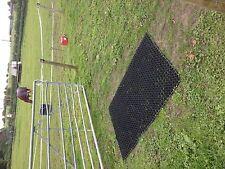 2 x GATEWAY GRASS Rubber MAT playground golf course horse Free pegs 1mx1.5mx23mm