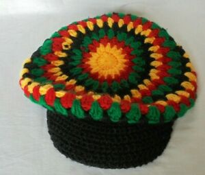 HAND MADE WOOLEN CROCHETED  PEAK BEANIE RELAXED SLOUCH HAT RED GOLD GREEN BLACK