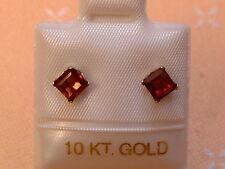 Feinste Granat Ohrstecker - 4 x 4 mm - 10 Kt. Weiß Gold - 417 -  Carré Schliff