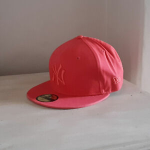 New York Yankees 59FIFTY MLB Salmon Fitted Baseball Cap - size 7 1/4