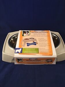 """New Suncast PFT800 Compact Elevated Pet Feeder Feeding Tray Removable 8"""" Bowls"""