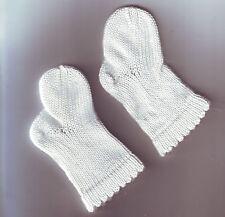 petites chaussettes bébé ceremonie ou bapteme -  bon etat
