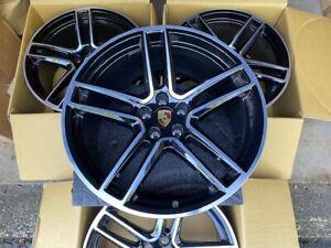 Porsche Macan S GTS Turbo Center Caps Gloss Black -set of 4