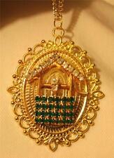 Lovely Picot Rim Goldtn Green Rhinestone Wishing Well Good Luck Pendant Necklace