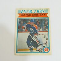 1982-83 OPC WAYNE GRETZKY #107 OILERS IN ACTION
