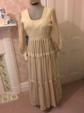 Vintage Wedding Dress  1974. Bespoke by Edward Black Nottingham. Size 8
