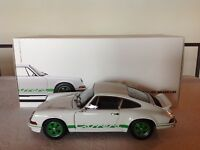AUTOART PORSCHE 911 CARRERA RS 2.7 1973 LIGHTWEIGHT PORSCHE MUSEUM 1/18