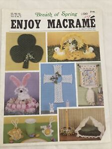 1982 ENJOY MACRAME Breath of Spring Shamrock Cross napkin caddy booklet