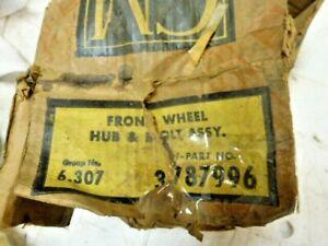 NOS 1961 Chevrolet Corvair Front Wheel  Wheel Hub # 378996