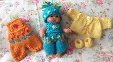 *KNITTING PATTERN* FOR 5 INCH BERENGUER OR SIMILAR DOLL OUTFIT USES 4 Ply WOOL.
