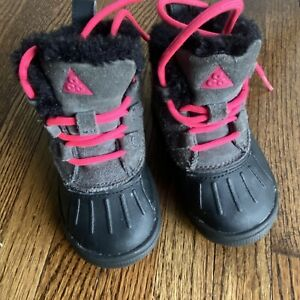 NIKE Toddler Woodside Chukka Snow Boots baby size 5