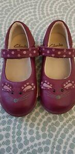 Dark pink girls Clarks shoes 6F