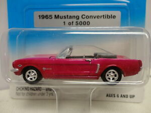 Johnny Lightning 1965 MUSTANG CONVERTIBLE Pink '65 PMD Exclusives 1/5000