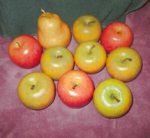 10X Lot WOODEN FRUIT Yellow & Red APPLES & PEAR Mexican Folk Art REALISTIC Décor