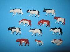 Figuren & Anlagenzubehör H0 - 12 Kühe schwarz/weiß und braun/weiß (Z1)