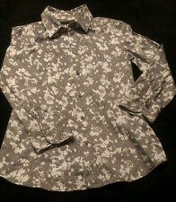 New York & Company Stretch Gray & White Floral Button Front Blouse, X-Small. EUC