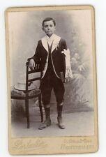 Photo CDV Montpellier Portalier, un communiant pose 1900