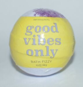 BATH & BODY WORKS GOOD VIBES ONLY FIZZY BOMB BALL 4.6OZ SCENTED VANILLA COCONUT