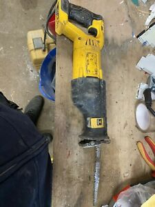DEWALT DCS380N XR 18V RECIPROCATING SAW Spares Or Repairs