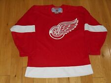 Vintage CCM Red DETROIT RED WINGS Youth Boys NHL Sewn Hockey Team JERSEY Sz L/XL