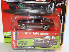 AUTO WORLD BURGUNDY 1967 FORD MUSTANG GT 2017 REL 2 VER B PREMIUM VINTAGE MUSCLE