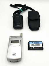 Motorola T720 Flip Cell Phone w/ Charger & Case - Silver - LN - TESTED