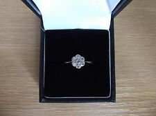 Antique 18ct Gold And Platinum 0.22 Carat Diamond Daisy Ring Size N
