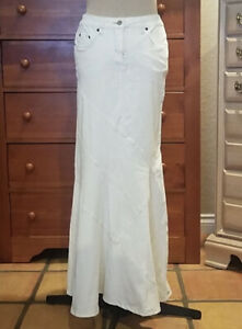 BEBE Mermaid Long Maxi Corduroy Ivory Fitted Skirt Sz 25