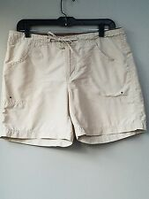 Ladies Columbia Khaki Active Wear Shorts Size S Drain Holes in Pocket