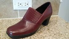 NEW Size 7M Wine Clarks Bendables Ankle Boots w/ruching