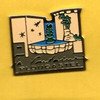 pin's lapel pin pins Ville TOURISME La Fontaine PLOUGASTEL BRETAGNE