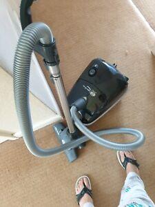Sebo vacuum cleaner E1 pet