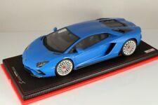 Véhicules miniatures bleus en résine pour Lamborghini