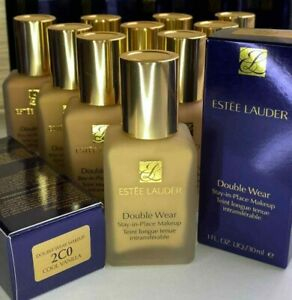 Estée Lauder *Double Wear*Stay-in-Place Foundation (Shade: 2C0 Cool Vanilla) 1oz