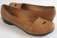Clarks Artisan Womens Size 7M Tan Brown Leather Flats