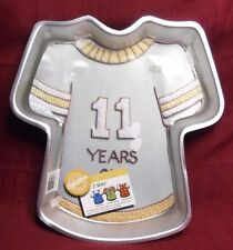 T-SHIRT Wilton 1979 Aluminum Cake Cookie 502-5617 Mold Pan 83