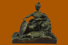 Estatuillas y estatuas