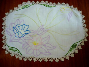 DOILY~HAND EMBROIDERED~HAND CROCHETED~ WATER LILIES~SZ 40 X 30 CM ~VGC