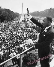 Photograph of Dr. Martin Luther King 1963 March on Washington 8x10