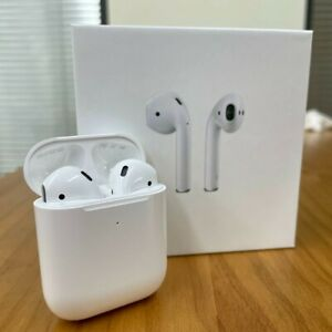 EarPods 2 with Wireless Charging Case