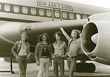 Led Zeppelin - Airplane Group Shot Textile Poster Flag 75x110cm HEART ROCK